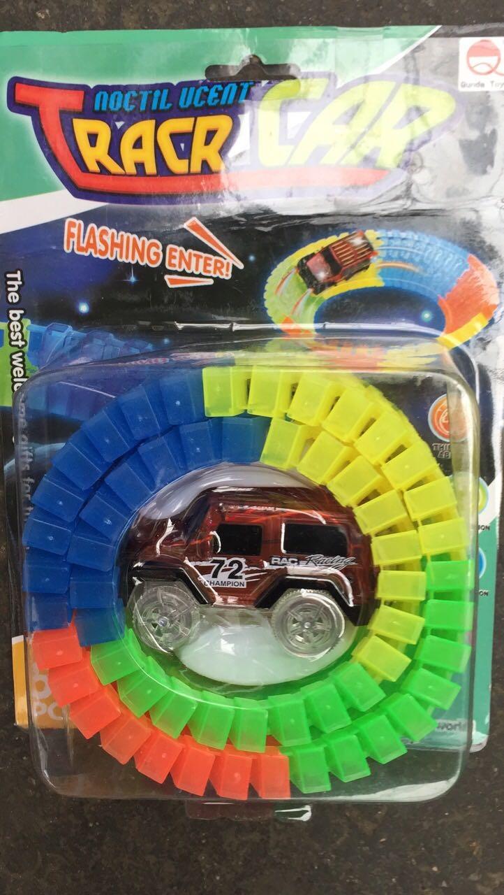 Гоночная трасса со светящейся машинкой Tracr Car оптом - 1